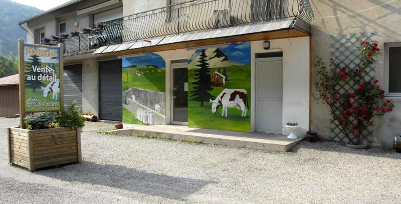 Devanture du magasin de la laiterie RISSOAN